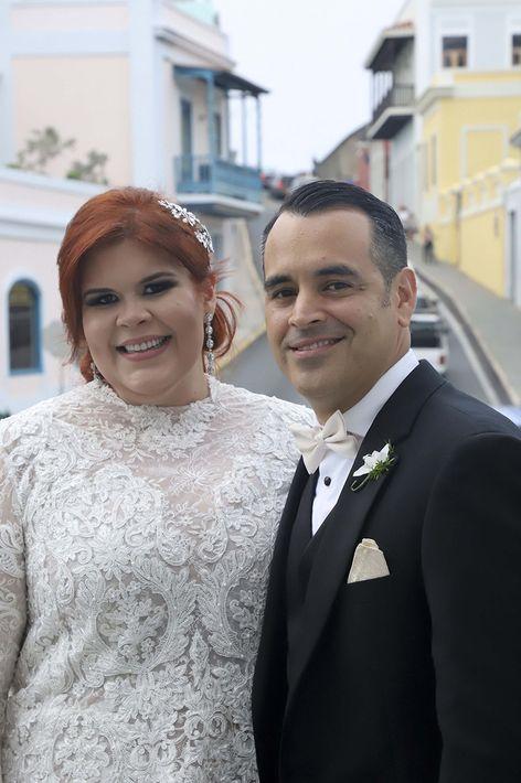 Tocado: Eva Guadalupe. Arreglo personal: Carlos Rubén Martínez, de Wanda Montes Salón.