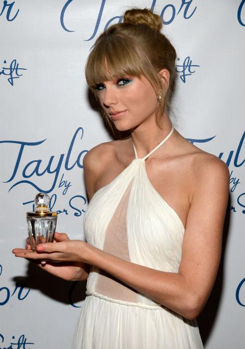 """Taylor Swift. Con las fragancias """"Taylor"""" y """"Wonderstruck"""", para la compañía Elizabeth Arden, la intérprete de """"Fairy Tale"""" ha llevado a su fanaticada su interpretación de lo que debe ser un aroma juvenil. (Foto: Archivo/ GFR Media)"""