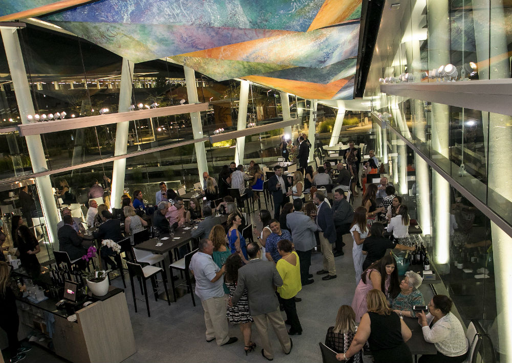 Tinto y Blanco, Bar de Vinos y Tapas inauguró su   segundo espacio en Hato Rey con una exquisita fiesta.  (Suministrada)