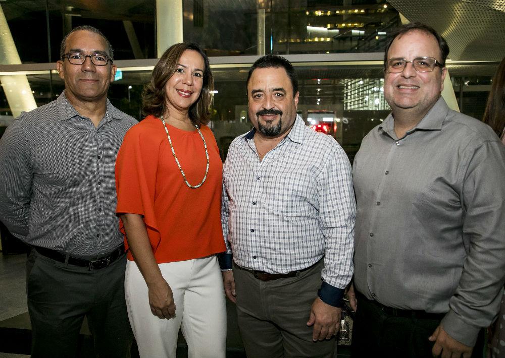 El arquitecto Gilberto Ibarra, Diana Rodríguez, Luis Rolón y José Maldonado. (Suministrada)