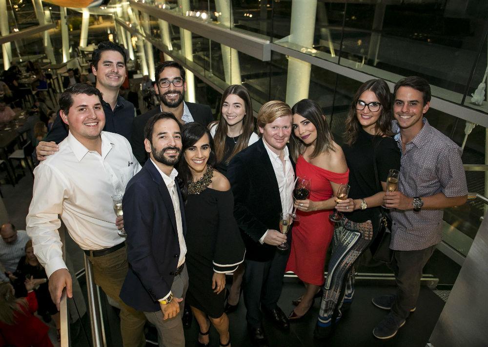 Felipe Gavilanes junto a un grupo de amigos. (Suministrada)
