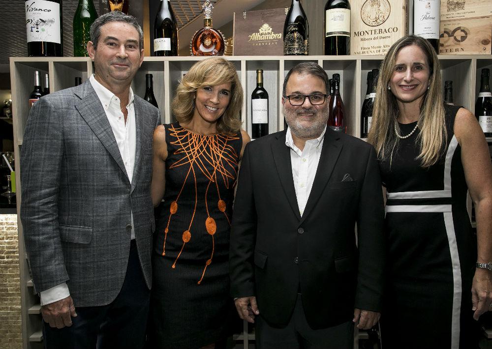 José Ignacio Cobián, Zoimé Álvarez, Rafael Gavilanes y Annie Mayol. (Suministrada)
