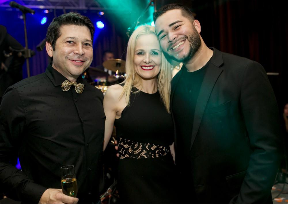 Ricky Heredia, Ruth Vélez y Ricardo Heredia Jr. (Suministrada)