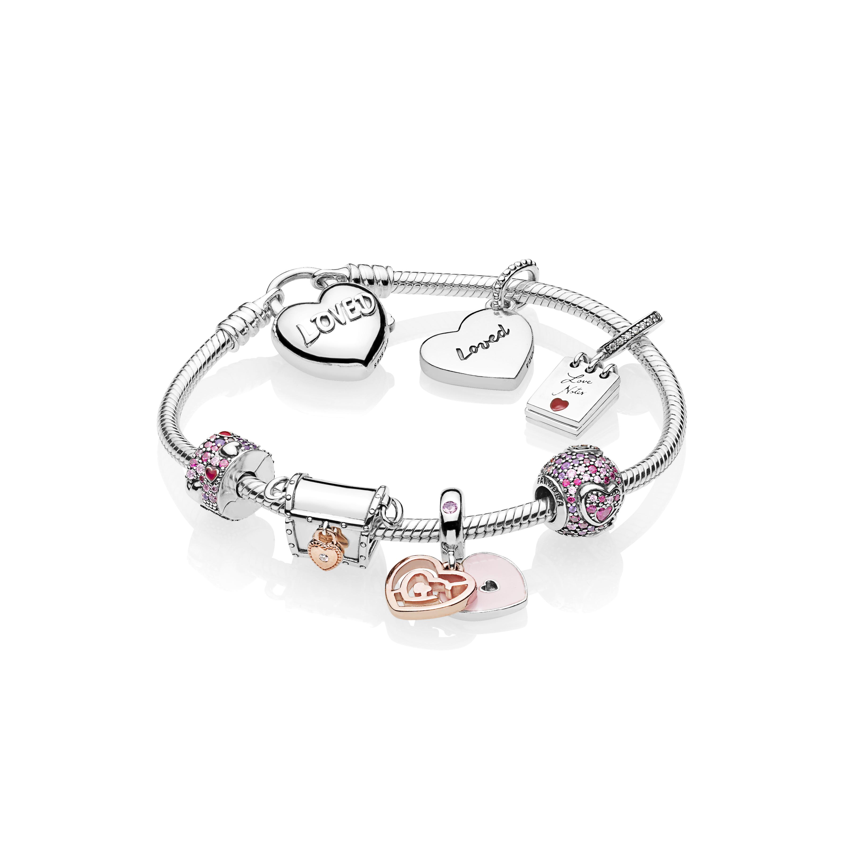 Pandora lanza en San Valentín  una nueva colección de charms y clips en plata esterlina  y zirconias.