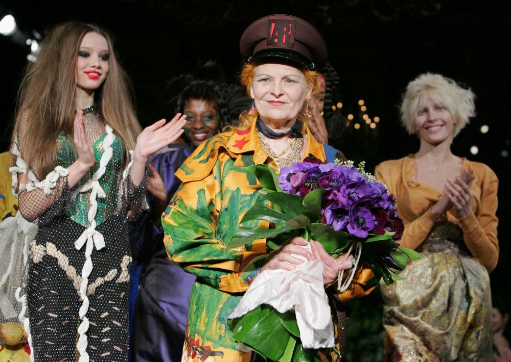 """Pionera de los estilos """"punk"""" y """"new wave"""", la diseñadora británica Vivienne Westwood tiene 76 años. (Archivo)"""