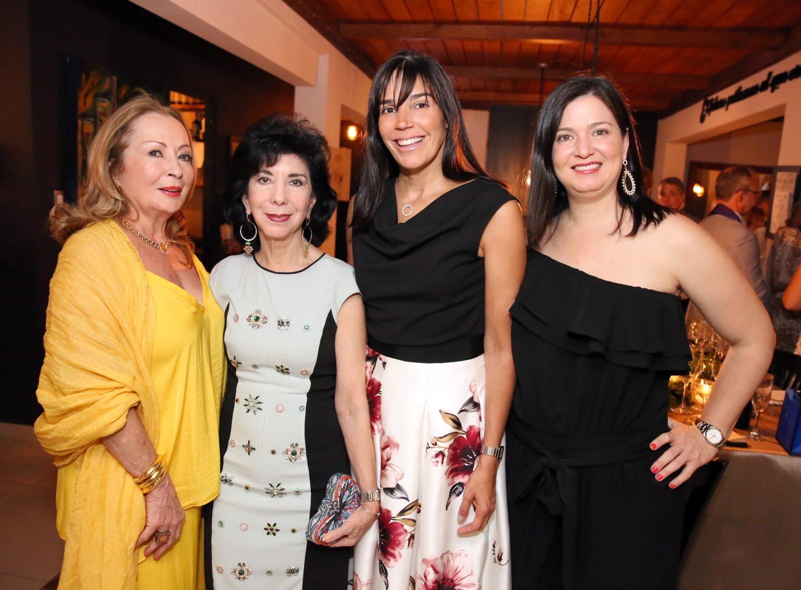 Tensy Llavat, Margarita Serapión, Gina Méndez y Maite Oronoz. Foto suministrada.