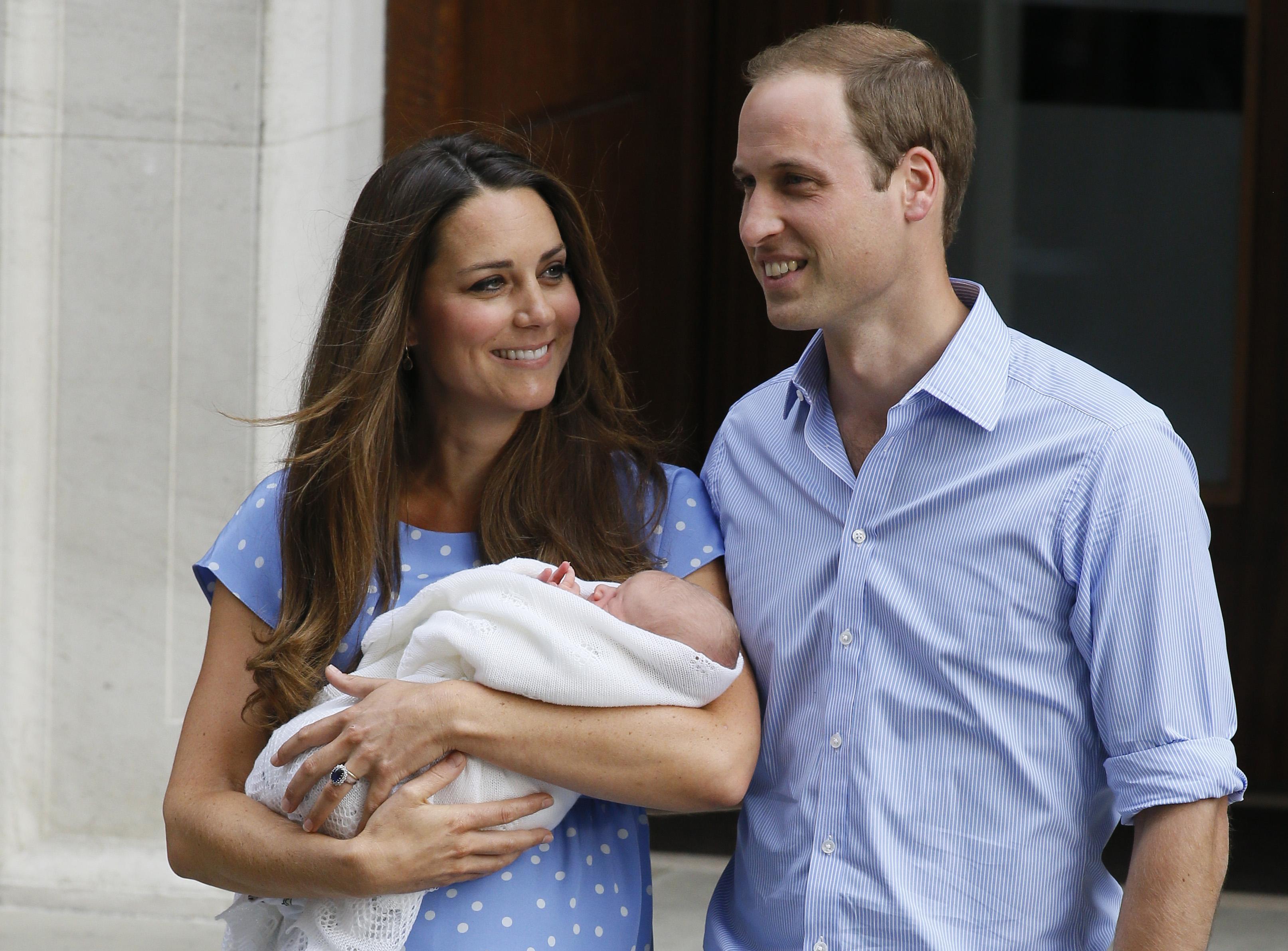 La pareja le dio la bienvenida a su primer hijo, George el 22 de julio de 2013. (Archivo)