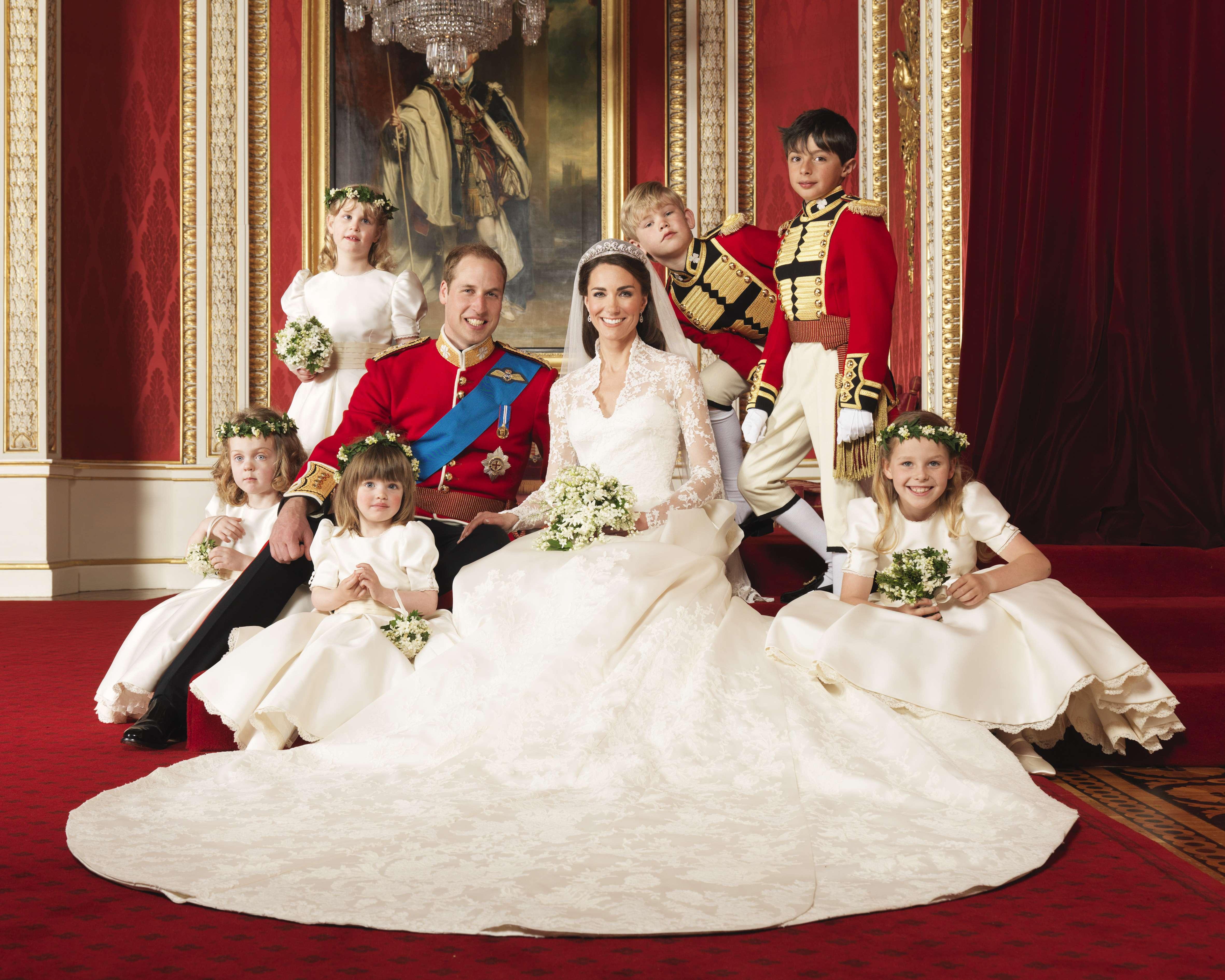 La boda real tuvo 1,900 invitados y fue transmitida por los medios de comunicación con una audiencia de millones de espectadores. (Archivo)