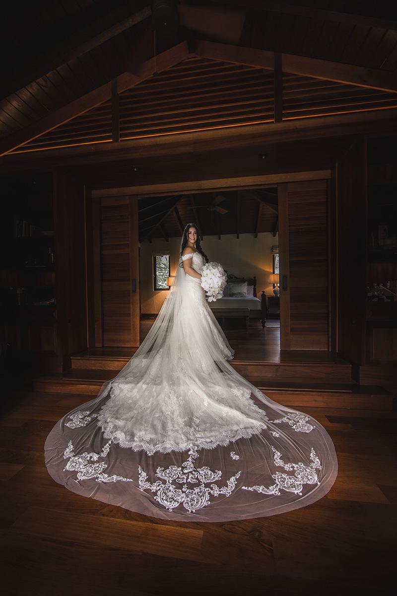 El vestido de la novia fue de D'Royal Bride. Fotografía Wedding Mafia.