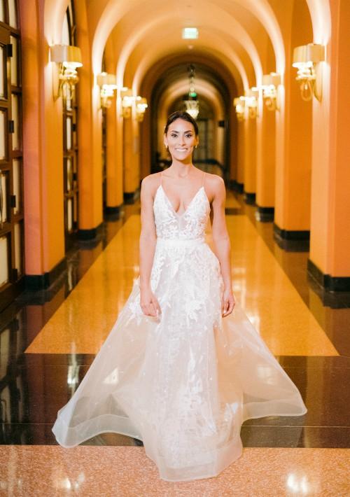 Vestido de la novia: Jean Cintrón (Suministrada)