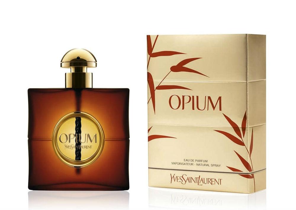 Opium – Una creación de Yves Saint Laurent, inspirado luego de un viaje a China. Su lanzamiento en el 1977 revolucionó el mercado por su impactante aroma producto de la mezcla de mandarina, clavel, vainilla y ámbar, entre otros. (Foto: Archivo)