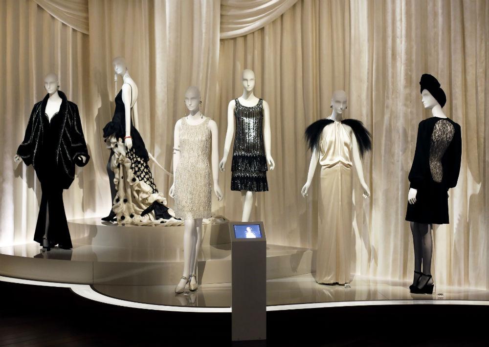El estilo de Saint Laurent se destaca por su mezcla de elementos contemporáneos con otros más lujosos y elegantes. (Foto: AP)