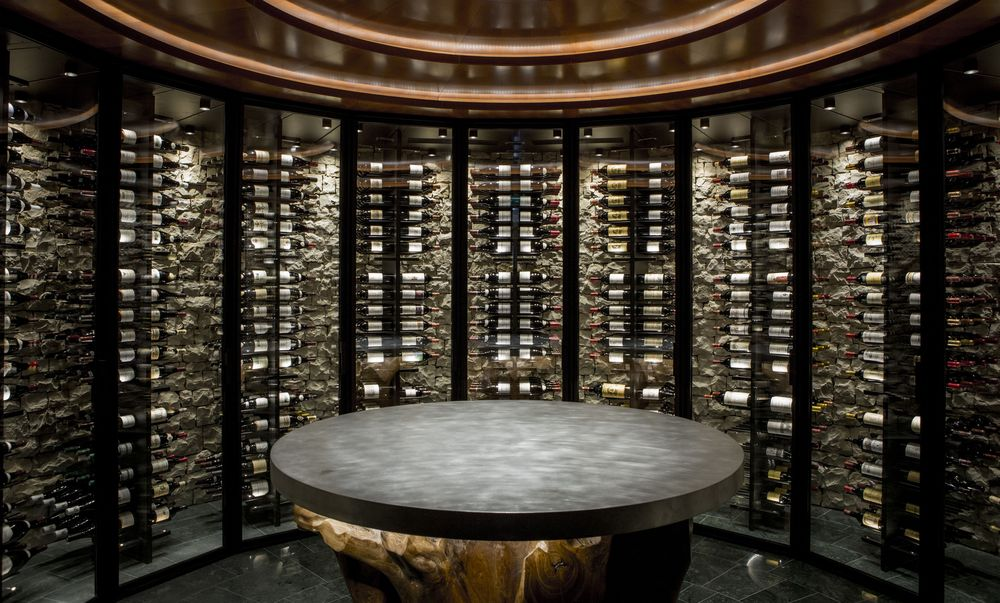 Uno de los tesoros del hotel es su cava de vinos, un espacio histórico que sirvió de íntimo escenario a las bodas de plata de los Príncipes Rainiero y Grace. Foto suministrada.