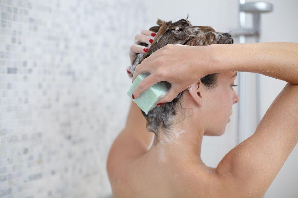 El champú o las barras de limpieza facial continuarán en aumento. Foto WGSN