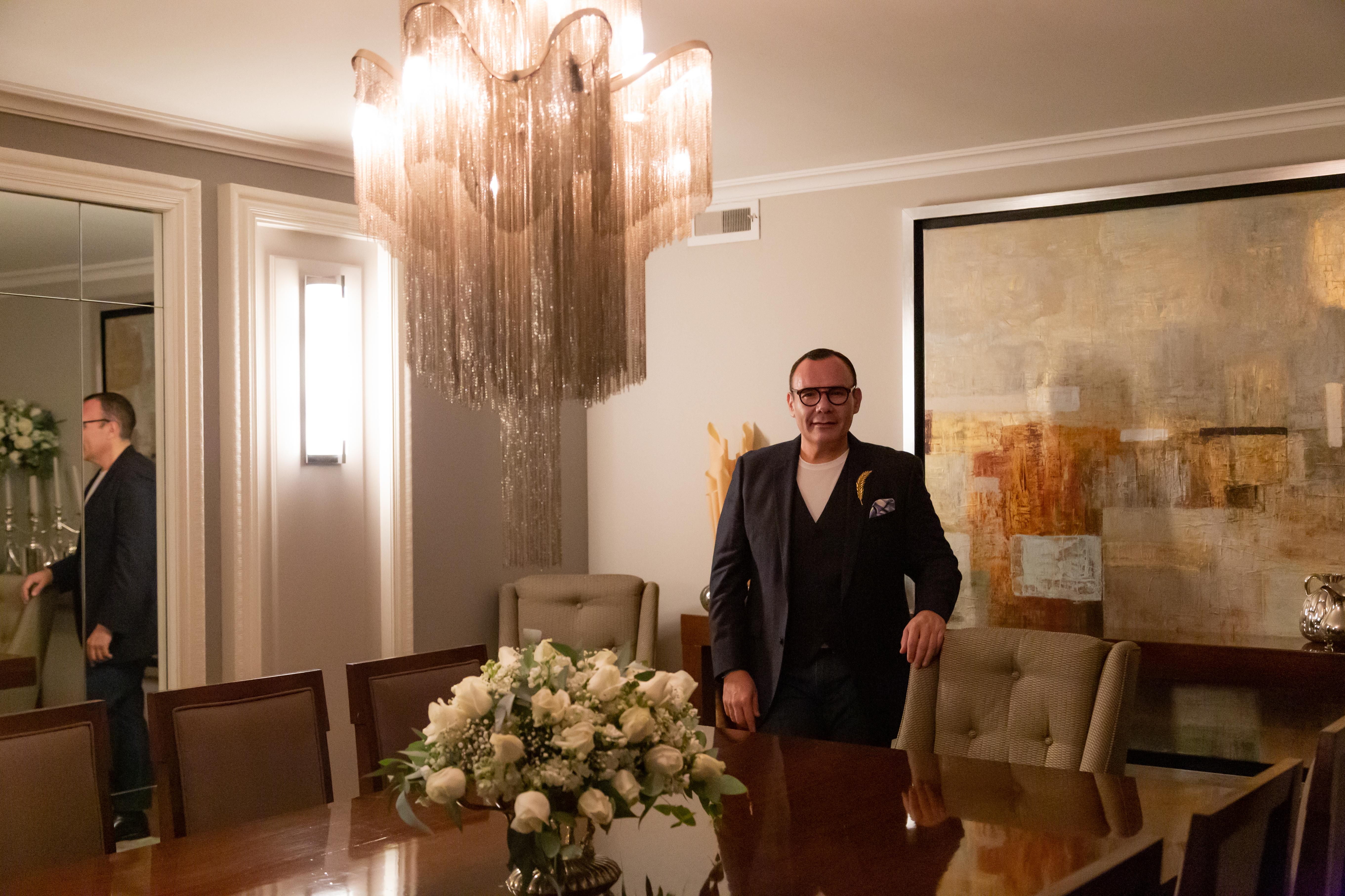 El diseñador Daniel Espinosa nos abrió las puertas de  su apartamento en la Ciudad de México. (Suministrada)