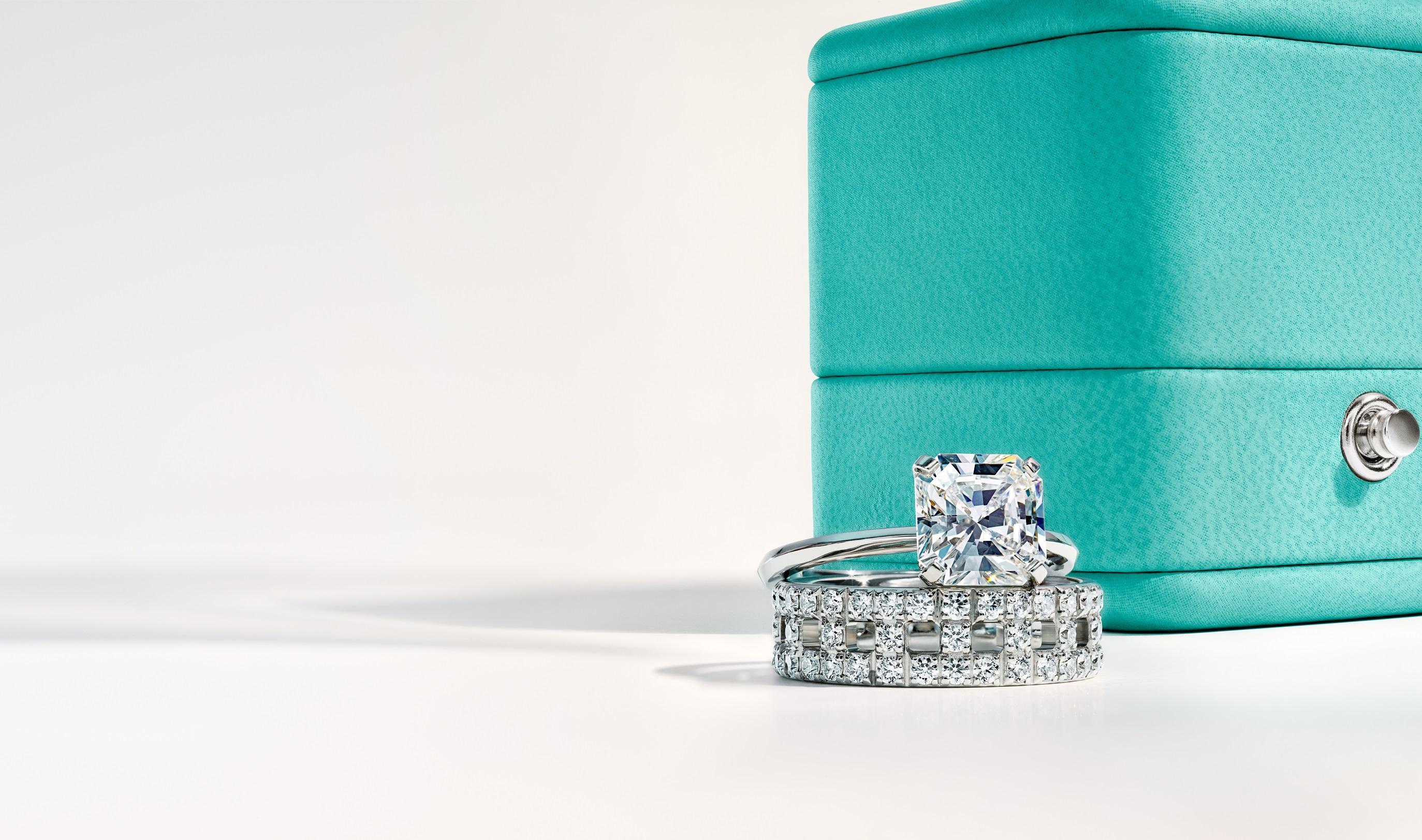 Anillos en platino con detalles de diamantes de Tiffany & Co. (Suministrada)