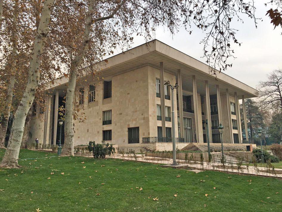 El Palacio de Niavaran, residencia de la familia real iraní antes de la Revolución Islámica visto desde el exterior. Foto: José L. González Luaces