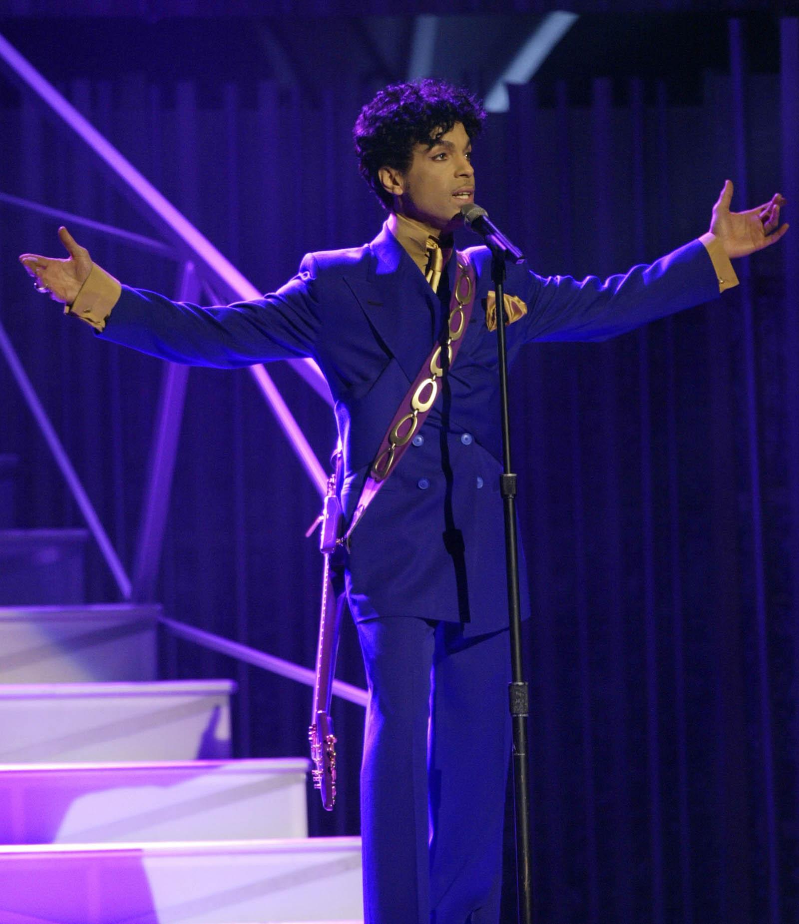 El violeta, el color que el artista decidió llevar por el mundo. Foto AP.