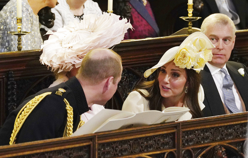 Durante la ceremonia, Kate conversó con su esposo, el príncipe William. (Foto: AP)