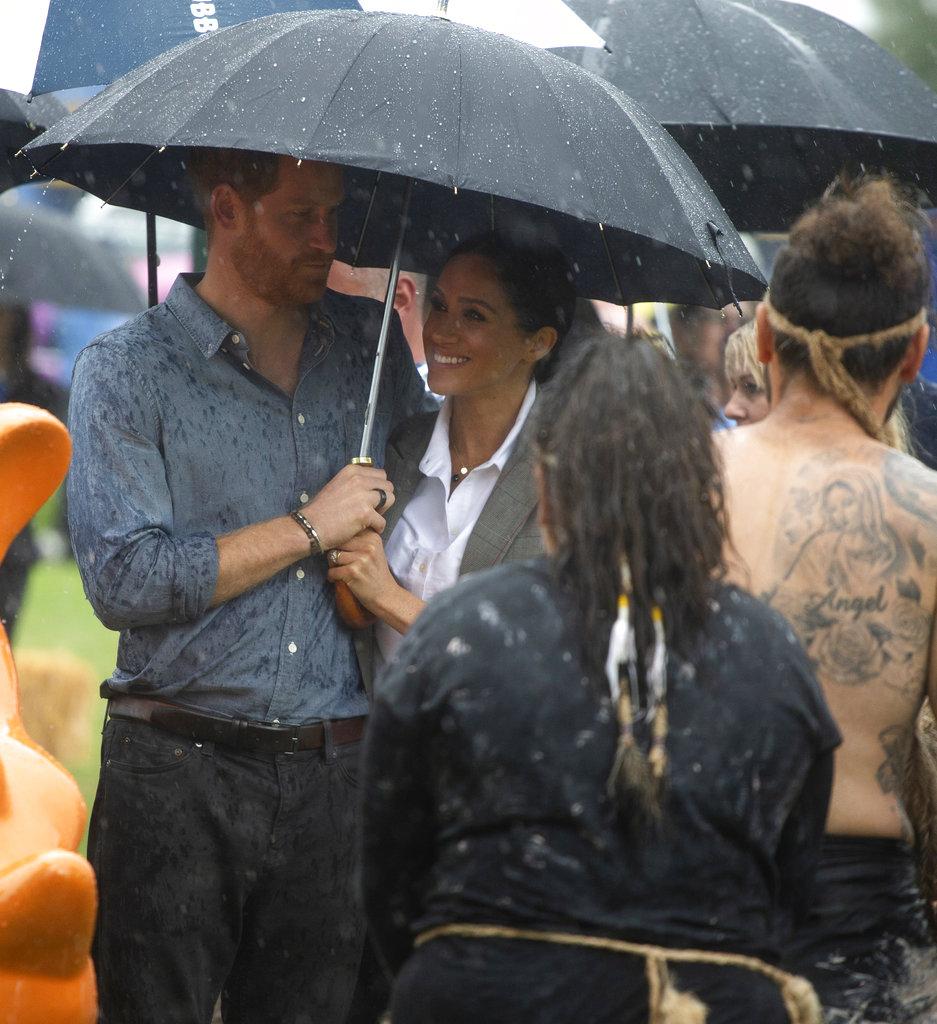 Meghan Markle y el príncipe Harry realizan una gira de 16 días por Australia y el Pacífico Sur. (Foto: AP)