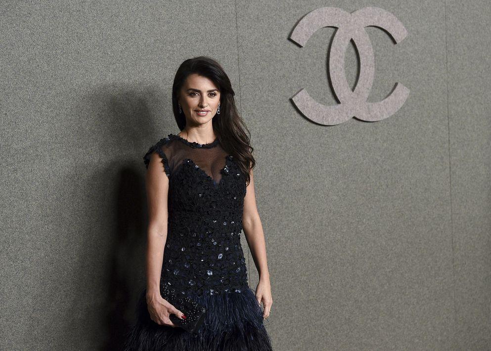 La española se convierte en embajadora de Chanel y modelo de Karl Lagerfeld.