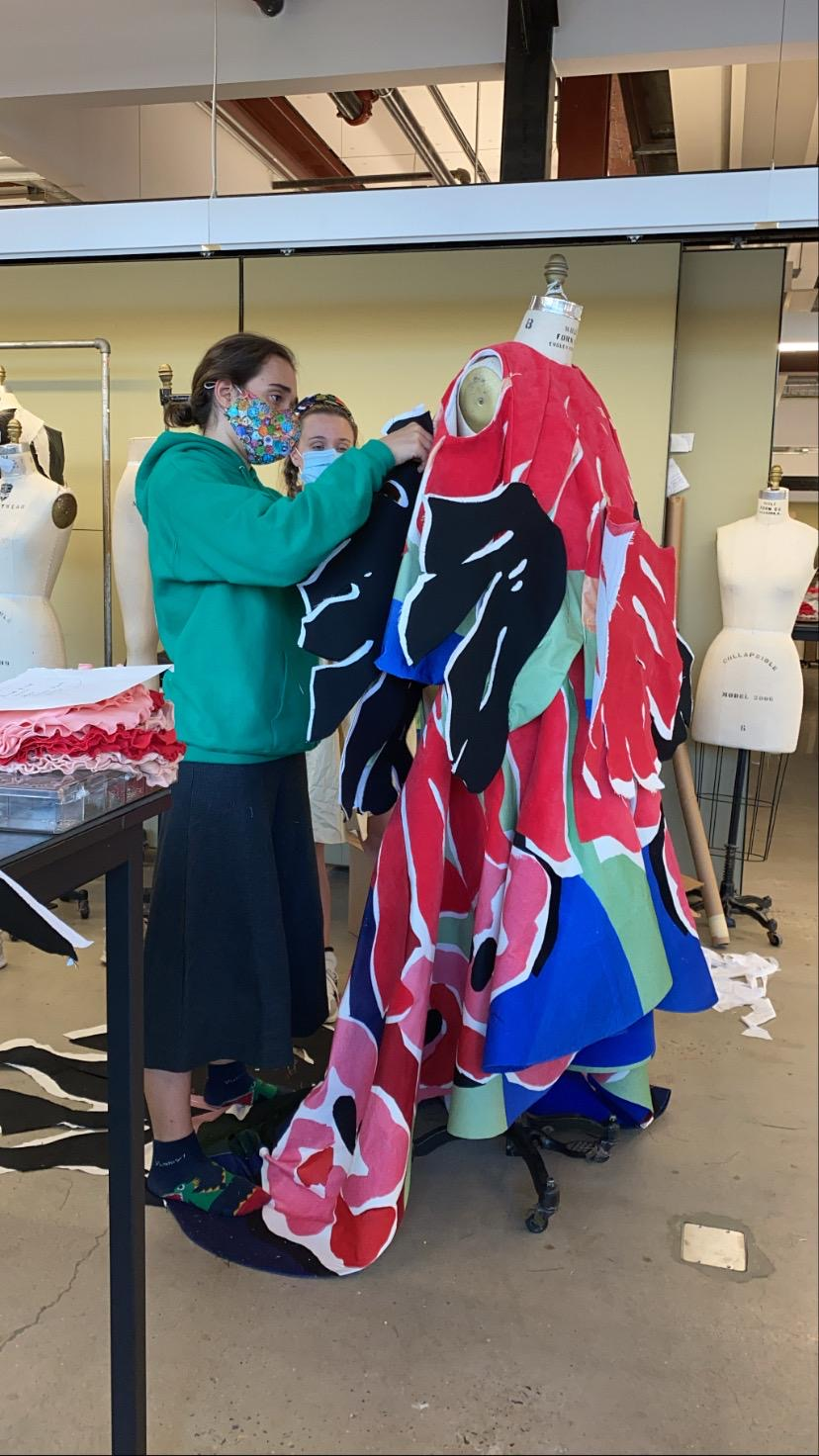 """Amanda Forastieri muestra el procesode preparación de la colección """"Utopia"""". (Fotos: Suministradas)"""
