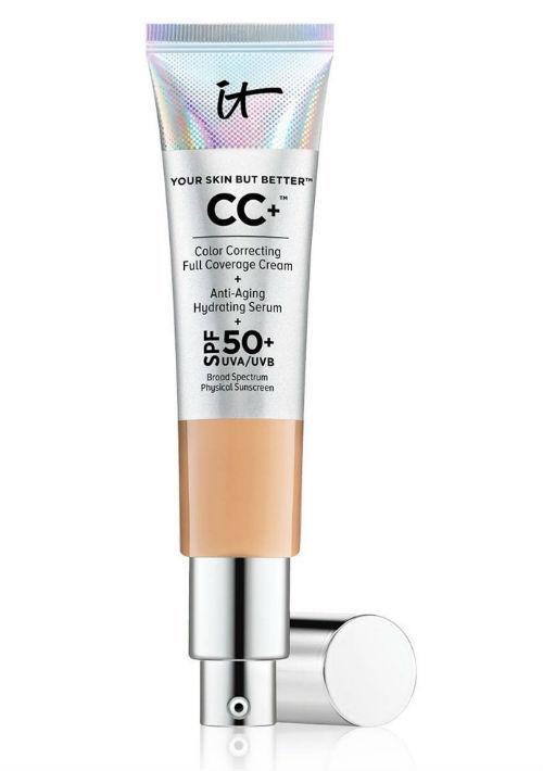 5. CC Cream - Este producto ofrece los beneficios de una base de maquillaje, suero antiedad, minimiza los poros, actúa como corrector, hidrata y ofrece protección de rayos solares. CC+™ Cream with SPF 50 de It Cosmetics. (Suministrada)