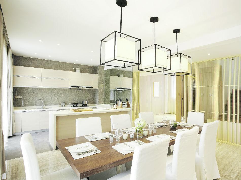 Aunque son ideales para usarlos como base en la estructura del hogar, el blanco, el crema y el gris también se acoplan a muebles, textiles y hasta en los techos.