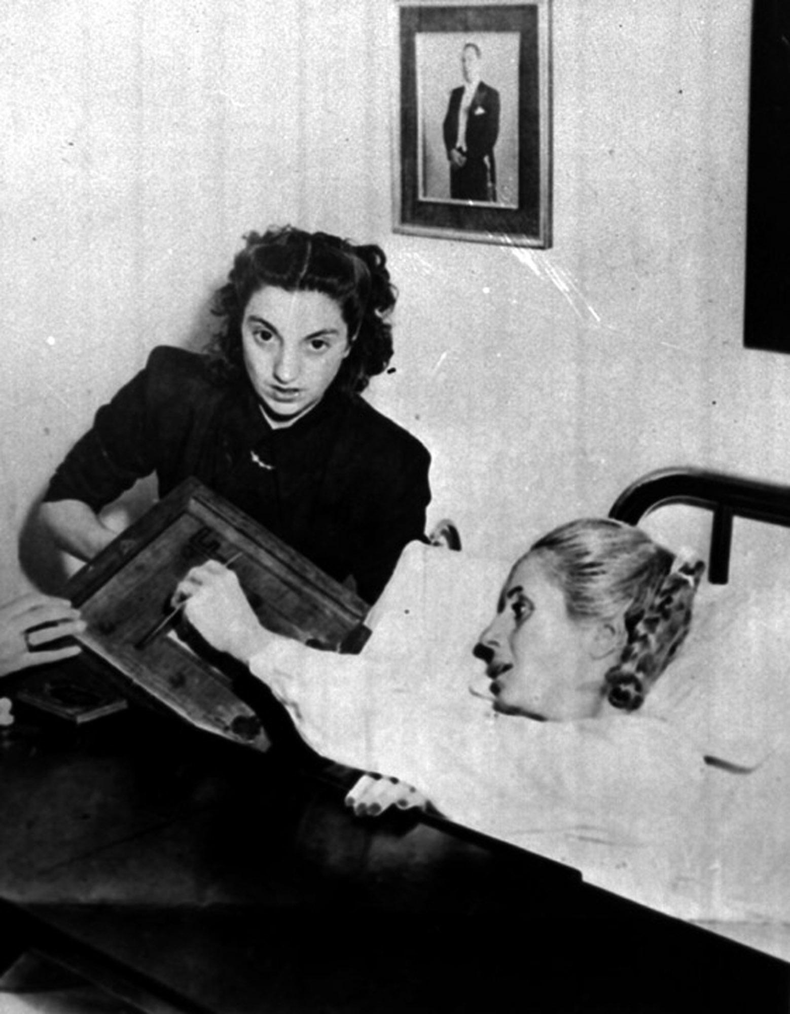 Aunque convalecía en hospital luego de una cirugía, en noviembre de 1951 Perón no dejó pasar la oportunidad de participar en las elecciones argentinas. (Archivo)