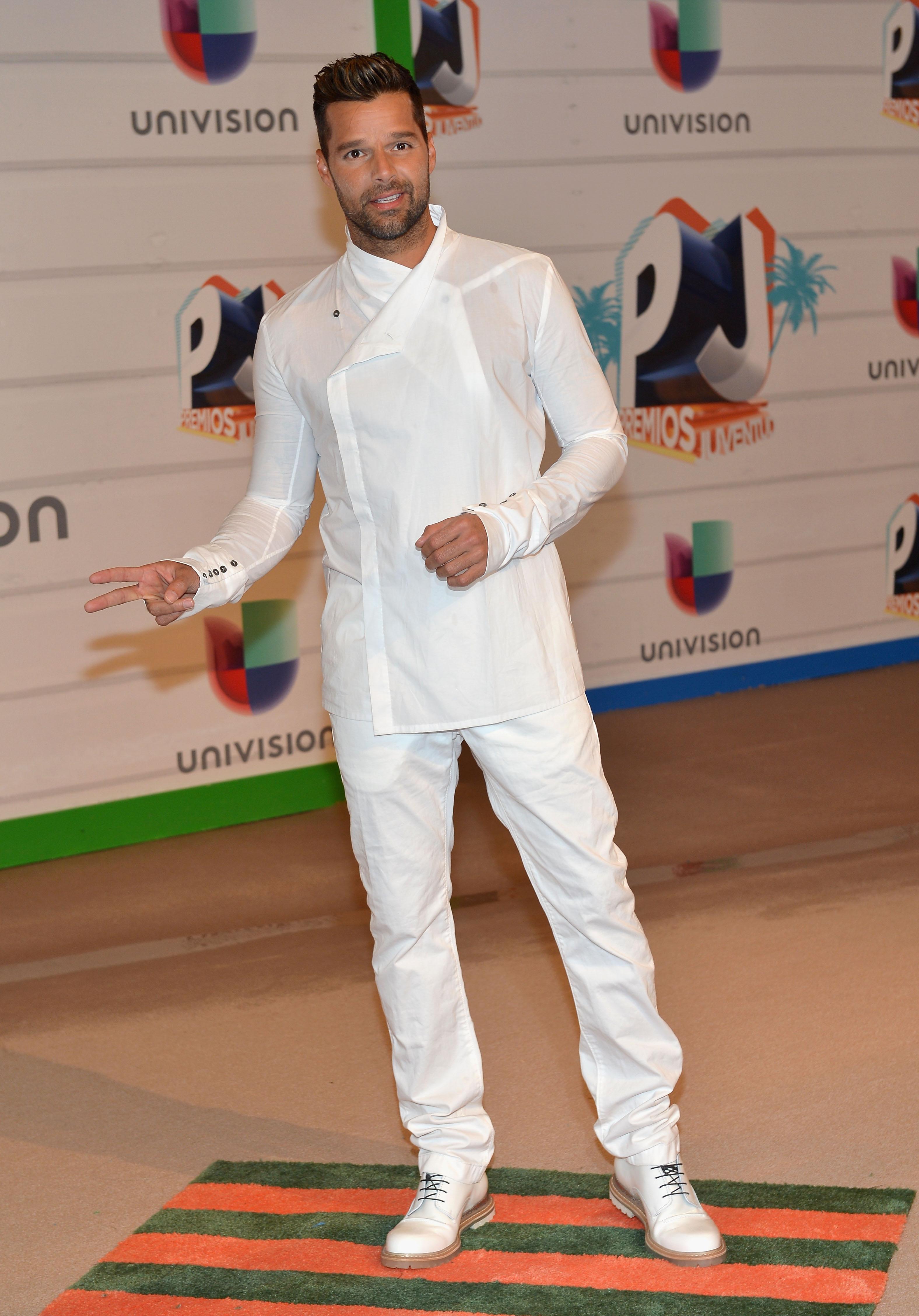 En un conjunto blanco durante los Premios Juventud de 2013. (Archivo)