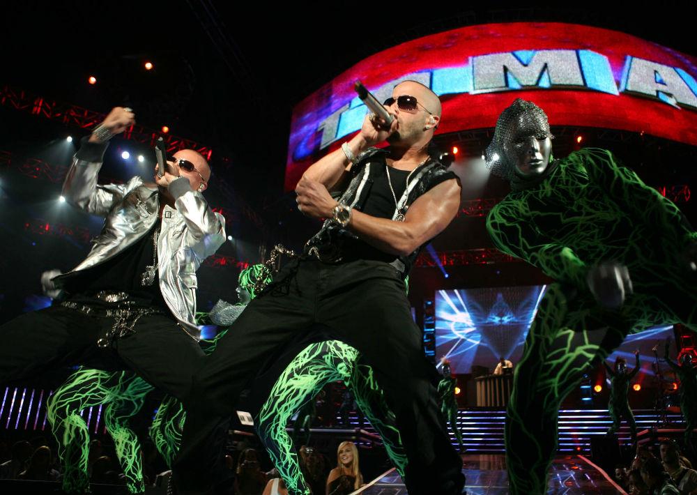 """En el 2008, Wisin y Yandel lucieron una imagen más moderna durante su gira de conciertos """"Los extraterrestres"""". (Foto: Archivo. GFR Media)"""