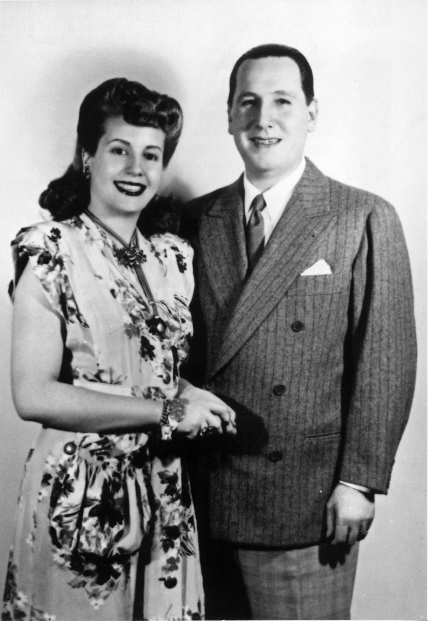 Eva y Juan Domingo Perón se casaron el 22 de octubre de 1945. Esta fue la foto de boda de la pareja. (Archivo)