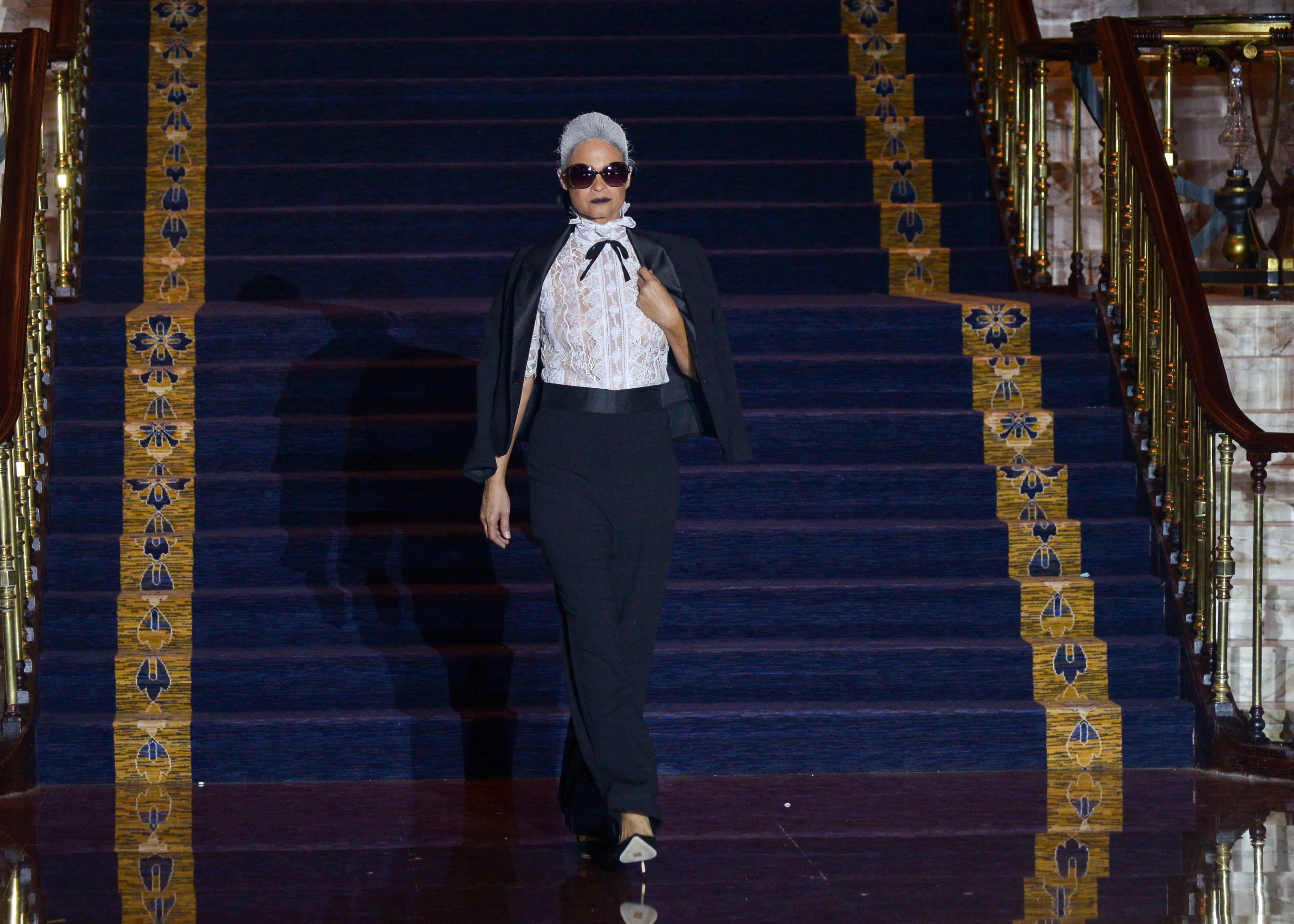 El desfile comenzó con un homenaje a Karl Lagerfeld. (Foto: Enid Salgado)