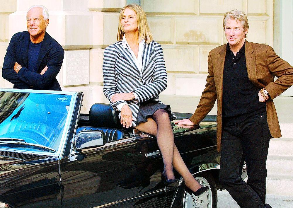 """Estilo de película. Armani convirtió el traje masculino en una prenda sexy. Prueba de ello fue el encargo que recibió para vestir a Richard Gere y a la actriz Lauren Hutton en la película """"American Gigolo"""" (1980). (AP)"""