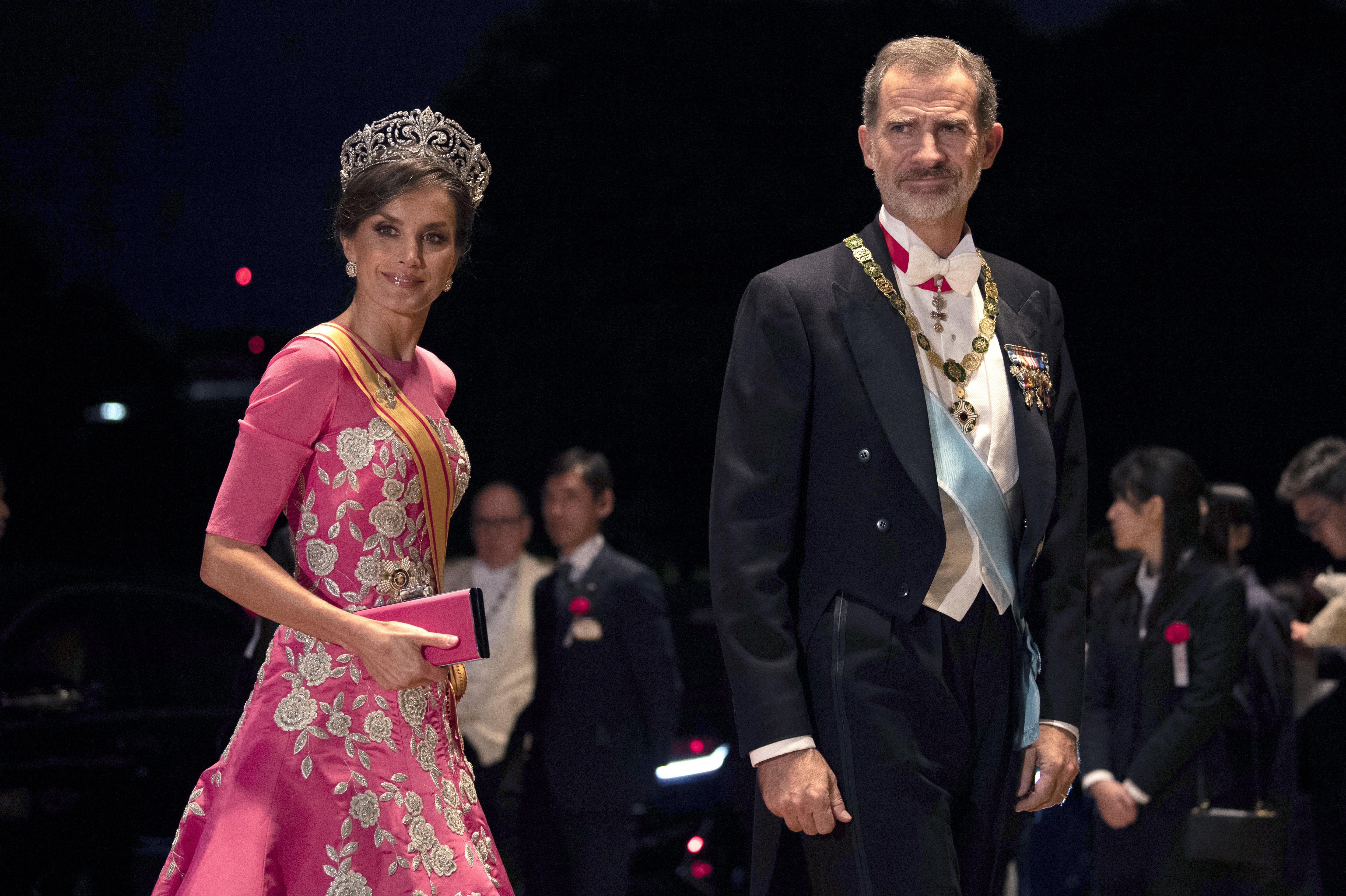 Los reyes Felipe y Letizia de España asistieron al evento. (AP)