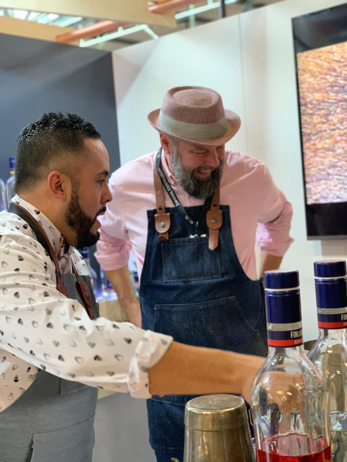 Pekka Pellinen, Master Mixologist de Finlandia Vodka junto a Ariel Rosario, luego de su exexitosa presentación en BCN 2018.