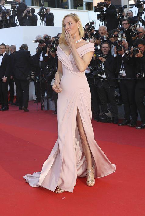 Uma Thurman en Versace. (AP)
