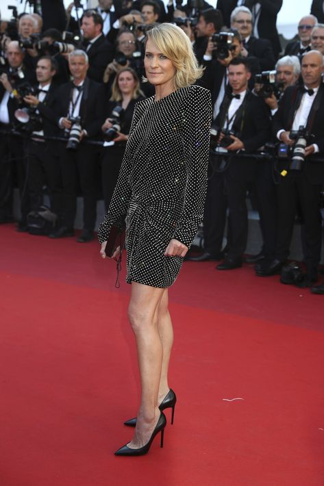 Robin Wright en Saint Laurent. (AP)
