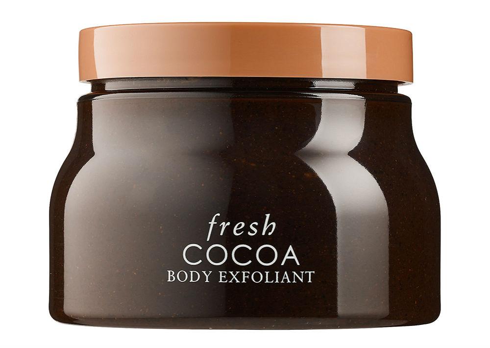 Fresh Cocoa Body Exfoliant es un exfoliante corporal rico en antioxidantes, cuyo ingrediente principal es la mantequilla de cocoa, reforzada con aceite de coco. Promete una piel suave y humectada. Se recomienda utilizarla de dos a tres veces por semana. Disponible en Sephora. (Foto: Suministrada)