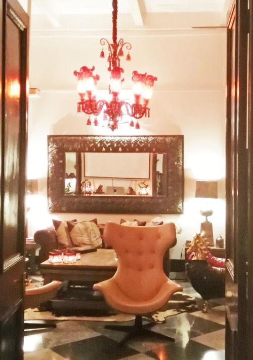 Otro de los escenarios decorados por Patricia en su mansión de Calcuta. (Foto: EFE/Marga Sánchez Pacheco)