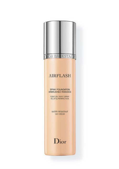 Dior Airflash Spray Foundation brinda una cobertura mediana y un acabado natural. (Suministrada)