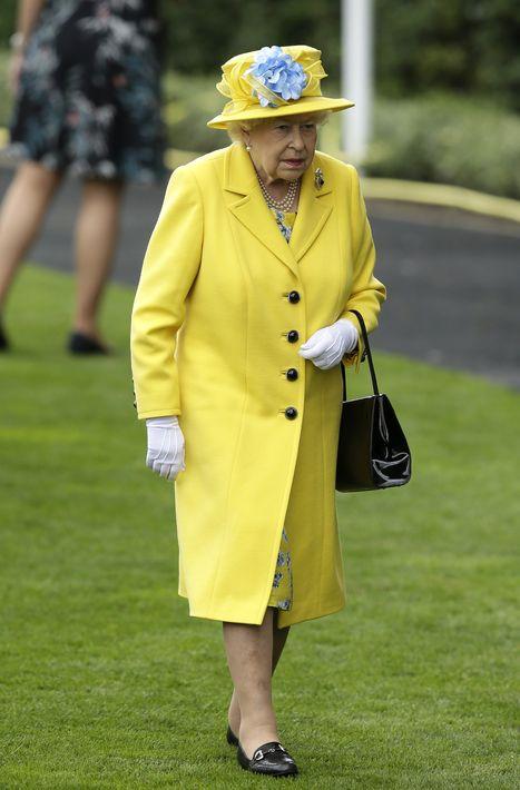 La reina Elizabeth II en las carreras del Royal Ascot. (AP)