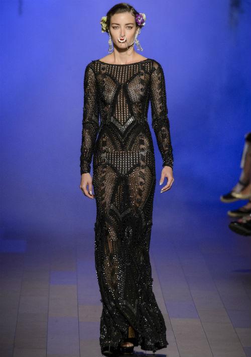 """Jessica Biel - Nominada a mejor actriz en miniserie o película hecha para televisión por """"The Sinner"""", también es una de las estrellas más esperadas en la alfombra roja. Su esbelta figura luciría muy bien con un vestido como este de Naeem Khan. (Foto: WGSN)"""
