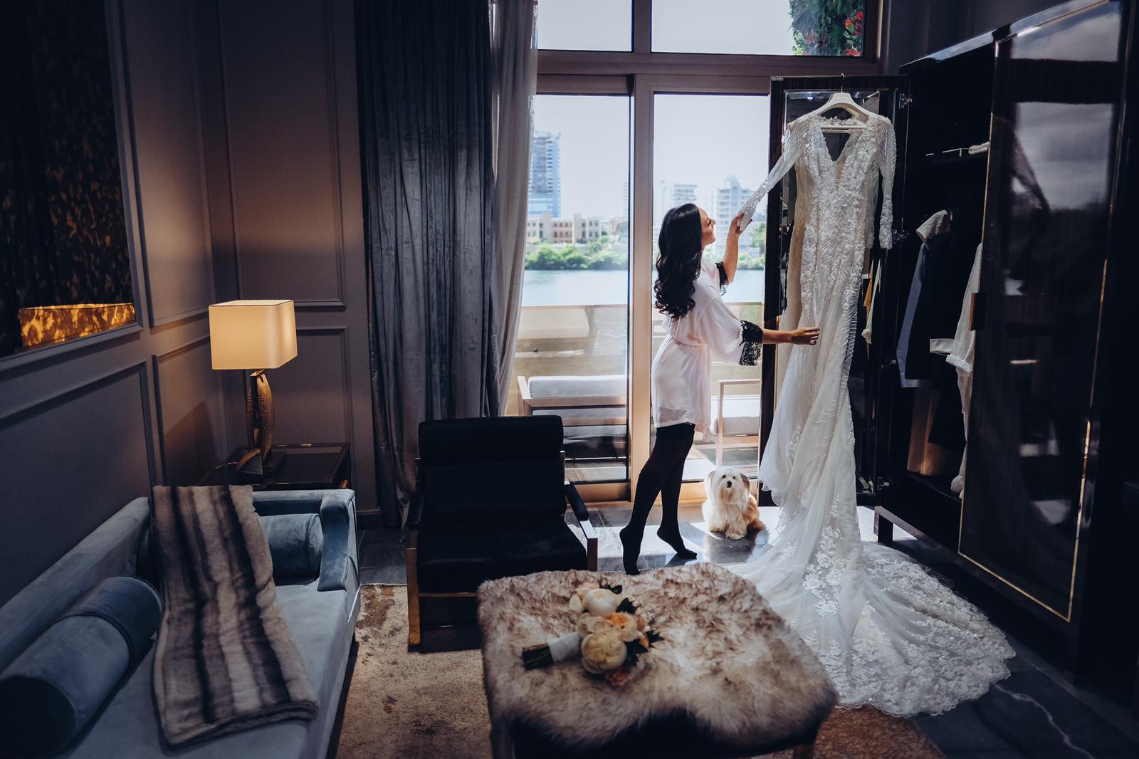 El vestido se destacó por el entalle, las transparencias y el encaje. (Foto: Emilio Leon Photography)
