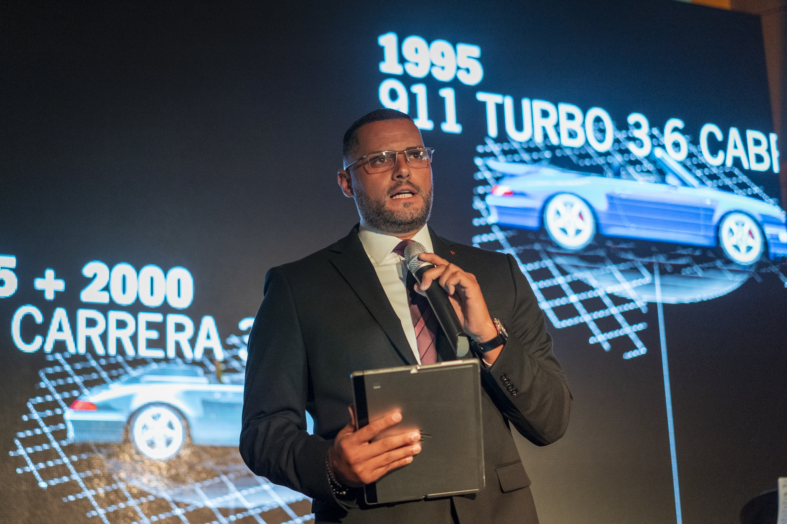 Ángel Colón, Gerente de Ventas Regional Porsche Latin America y Especialista en Exclusive Manufaktur.
