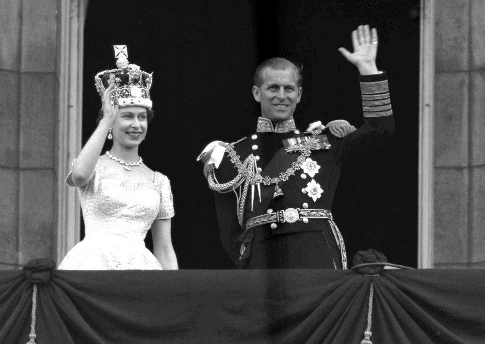 La pareja se casó en la abadía de Westminster de Londres el 20 de noviembre de 1947. Pasaron casi seis años más hasta que Elizabeth fue coronada reina, también en Westminster. (AP)