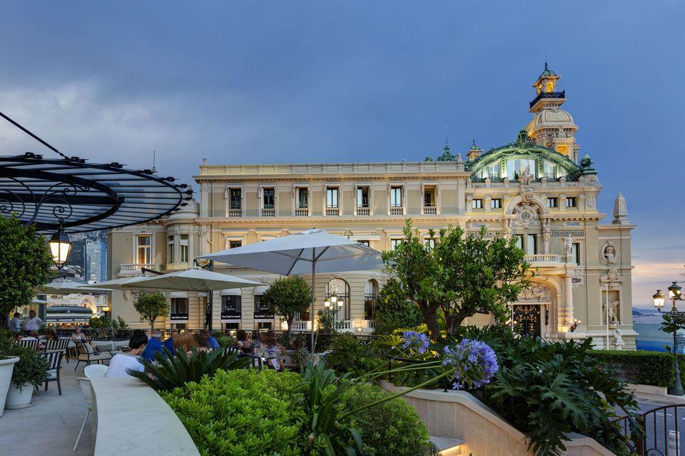 La fachada del Hôtel de Paris de Monte-Carlo colinda con el legendario Casino. Foto suministrada.