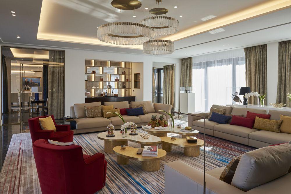 Con sus 735 metros cuadrados de lujo es la mayor suite del Hôtel de Paris, una  joya de la corona. Foto suministrada.
