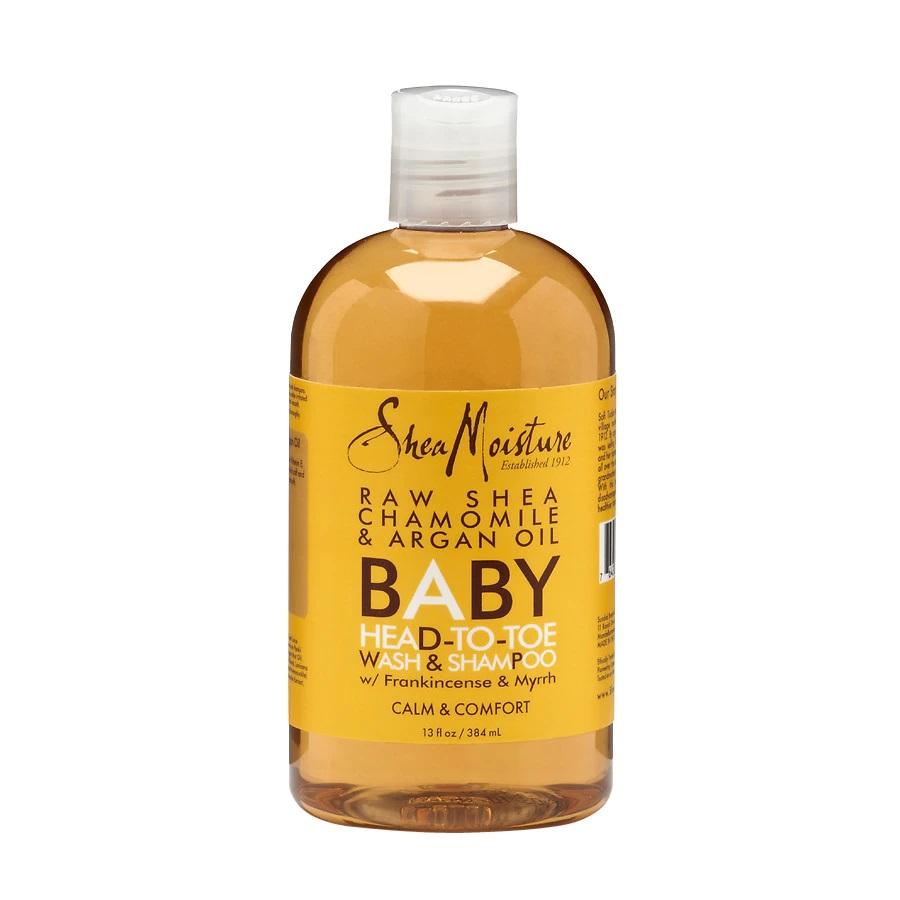 Raw Shea Chamomile & Argan Oil Baby Head-To-Toe Wash & Shampoo - Un producto para infantes de la marca SheaMoisture que puedes utilizar si tu piel es muy sensible. Contiene ingredientes orgánicos naturales y certificados lo suficientemente suave para el uso diario. (Suministrada)