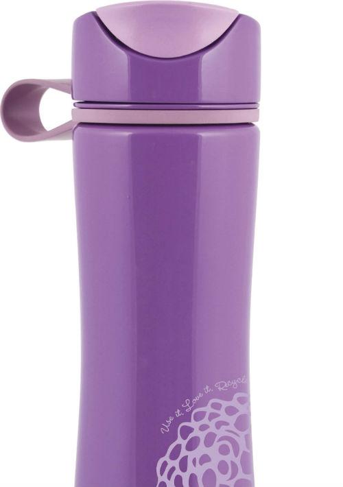5. Botella de agua – La hidratación es sumamente importante para que puedas disfrutar de una larga fiesta. Busca botellas que mantengan la temperatura baja por más tiempo y que sean seguras para tu salud. Botella en aluminio de la marca Aladdin. (Foto: WGSN)
